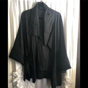 NWT Beautiful Flowing jacket
